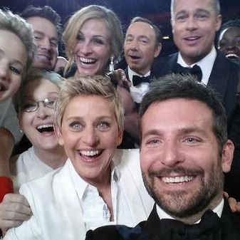 Nokia посмеялась над Samsung из-за размытых селфи на «Оскаре»