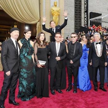 Бенедикт Камбербэтч сделал «фотобомбу» с U2