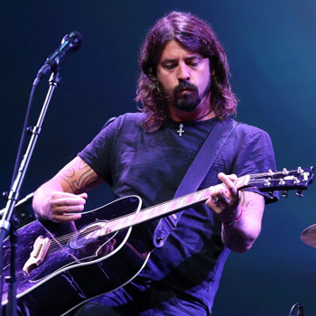 Дэйв Грол примет участие в записи дебютного альбома участника Foo Fighters