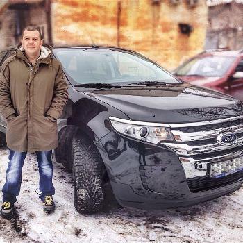 Сергей Бобунец похвастался новым джипом