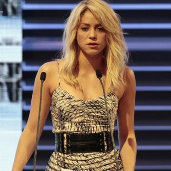 Шакира сэкономила на костюмах для нового клипа (Видео)