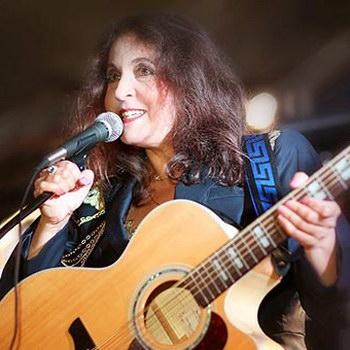 Марина Капуро записала англоязычный альбом с Дэвидом Кортни