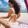 Виктория Дайнеко показала счастье на берегу