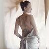 Анджелина Джоли разделась в лесах Камбоджи для Guerlain (Видео)