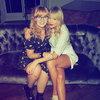 Поклонники Тейлор Свифт послушали новый альбом у неё дома