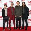 Weezer выпустят гитарный альбом (Видео)