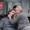 Оксана Акиньшина пытается спасти Петра Федорова от инопланетянина в трейлере «Спутника» (Видео)