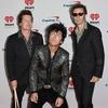 Green Day исполнили новую песню на хоккейном матче (Слушать, Видео)