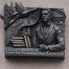 Дом Алексея Баталова украсила мемориальная доска с журавлями (Фоторепортаж)