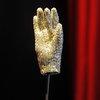 Джонни Депп поставит мюзикл про Майкла Джексона и его перчатку-кровопийцу