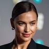 Ирина Шейк снялась для Vogue в пиджаке на голое тело