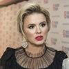 Анна Семенович перенесла операцию на ноге