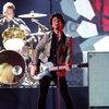 Солист Green Day помог звезде «Очень странных дел» завоевать любовь одноклассницы (Видео)