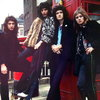 Фанаты Queen могут купить носки в честь юбилея группы (Видео)