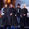 Pearl Jam отменили часть тура из-за коронавируса
