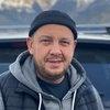 Сергей Бобунец на карантине разговаривает с дубом и часами сидит в гардеробной