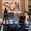 Viacom купил права на веб-сериал Джона Красински «Немного хороших новостей»