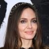 Сегодня: Анджелине Джоли - 45