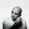 Александр Шоуа перезаписывает хиты «Непары» с новым женским вокалом (Слушать)