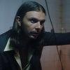 Солист Hurts спел о любви и одиночестве в туалете (Видео)