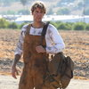 Джастин Бибер стал безработным нефтяником в клипе «Holy» (Видео)