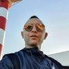 Рома Зверь открыл фотовыставку в петербургском ресторане
