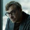 Евгений Цыганов предлагает Ингрид Олеринской заняться саморазвитием в трейлере «Неадекватных людей 2» (Видео)