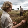 Кэри Маллиган устроила «Раскопки» на своей земле (Видео)