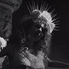 Лиза Громова перепела «Бога проклятых» «Би-2» в демоническом клипе (Видео)