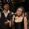 Юлия Пересильд стала буфетчицей, а «Ария» спела с Ритой Дакотой на «Новогоднем квартирнике» (Видео)