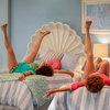 Кристен Уиг и Энни Мумоло неразлучны в трейлере комедии «Барб и Звезда едут в Виста дель Мар» (Видео)