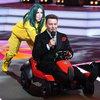 Алена Свиридова и Митя Фомин споют «Точь-в-точь» на Первом канале