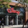 Disney сокращает объемы розничной торговли