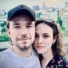 Стася Милославская оберегает Александра Петрова от встречи с расческой