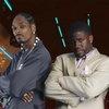 Снуп Догг и Кевин Харт готовят сериал о самых тупых преступниках в мире
