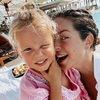 Беременная Нюша отдыхает с семьей на Кипре