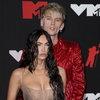 Конор Макгрегор и Machine Gun Kelly устроили ссору на красной дорожке MTV VMA