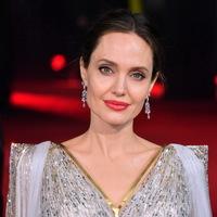 У Анджелины Джоли не было отношений после расставания с Брэдом Питтом (Видео)