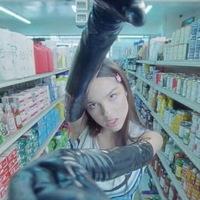 Оливия Родриго показала свою темную сторону в клипе «Good 4 U» (Видео)