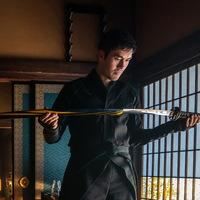 Генри Голдинг становится ниндзя в трейлере «Снейк Айз» (Видео)