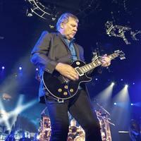 Гитарист Rush выпустил новую музыку впервые за 8 лет