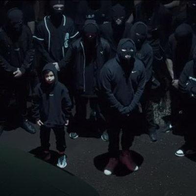 кадр из клипа